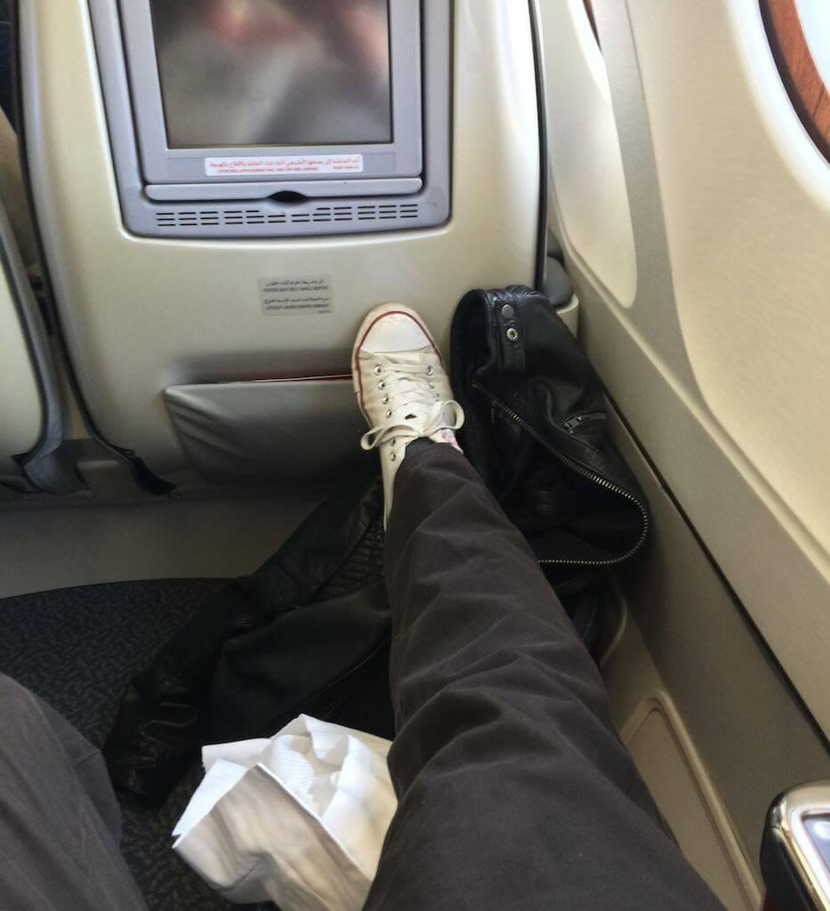 """Miejsca jest dużo więcej niż potrzeba. Test wyciągniętej nogi przy pytającym wzroku stewardesy """"czy pan się dobrze czuje?""""."""