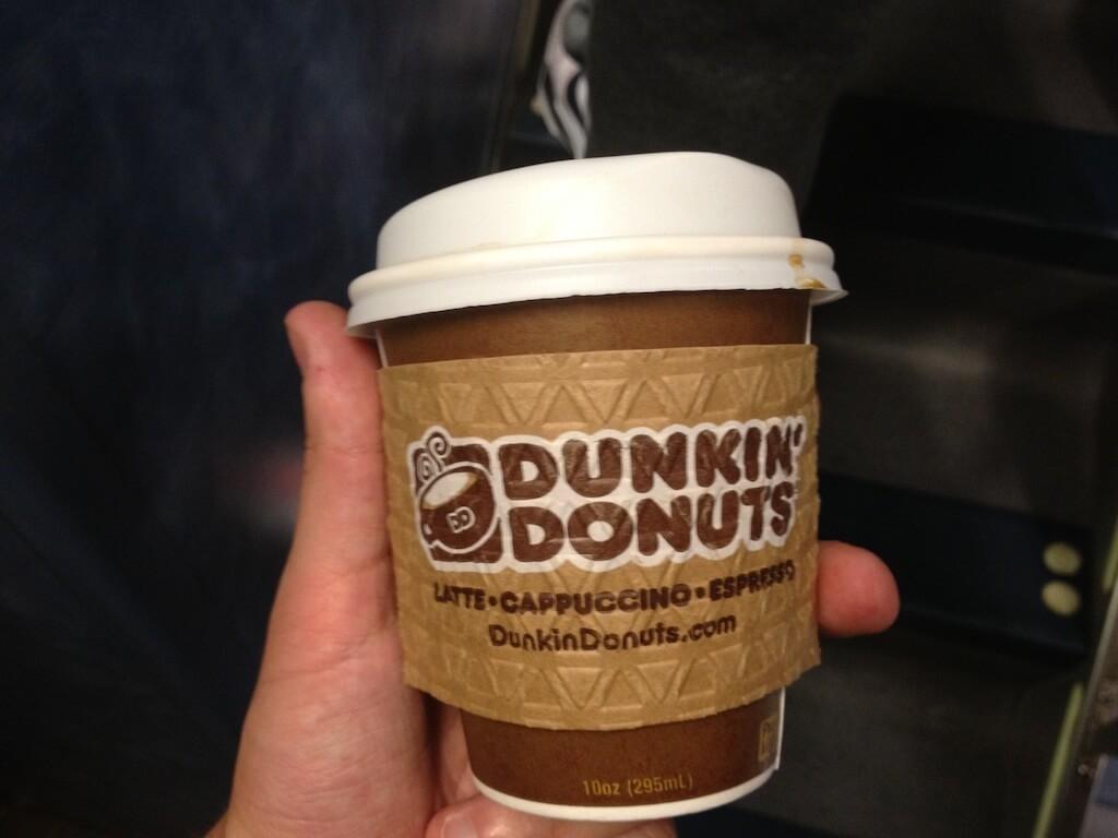 Espresso z Donkin Donuts jest najlepsze. Starbucks się chowa. Jeśli oni nie wejdą z powrotem do Polski, to ja ich wprowadzę.