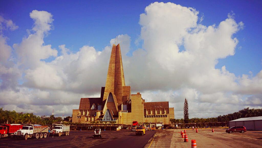 Dominikanie pamiętają i szczycą się wciąż, że przed laty przybył do nich z pielgrzymką Jan Paweł II.