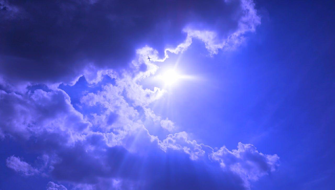Około trzeciej po południu pojawiły się upragnione chmury. Ludzie zaczęli opuszczać schrony.