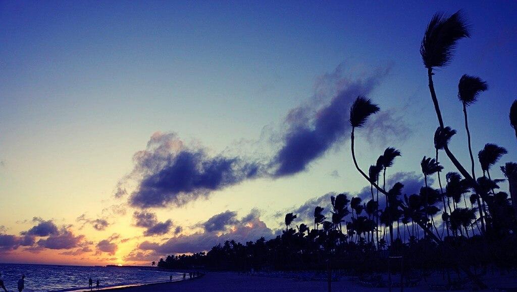 Jednym z moich niespełnionych marzeń, mimo wielu podróży do najpiękniejszych miejsc, jest znalezienie rajskiej plaży. Idealnej. Nigdy mi się to nie udało. Czy w tym roku będę miał więcej szczęścia? Jutro wam powiem.