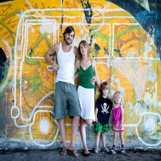 family-without-borders-2013_bus-650x491